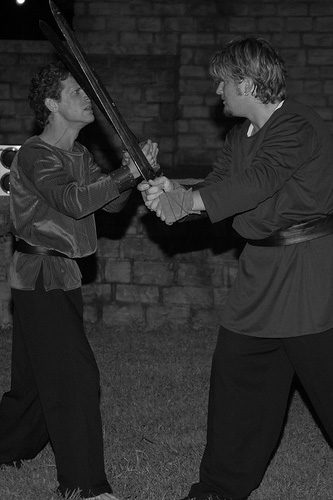 TwoNobleKinsmen_Sword_fight
